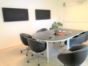 Panorama de la salle de réunion de la société Axysweb à Bordeaux Caudéran