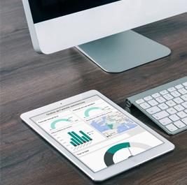 Zoom sur un tableau de bord web pour le suivi des ressources humaines sur ipad