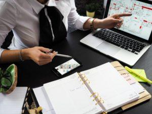 Application métier sur mesure pour un architecte sur ordinateur et téléphone